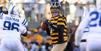 Ben Roethlisberger setting records in a win over the Indianapolis Colts